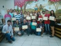 CMU realiza entrega de certificados do curso de libras