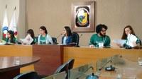 Integrantes do Parlamento Jovem Ubá desembarcam em Viçosa para encontro regional
