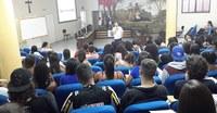 Mais de cem estudantes participam da primeira aula do Pré-Enem 2017